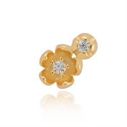 91a5bf50771 Tiny Treasures, Flower, Forgyldt sølv. 175,00 DKK. Blomster ørestikker